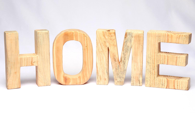 "Holzbuchstaben ""HOME"""